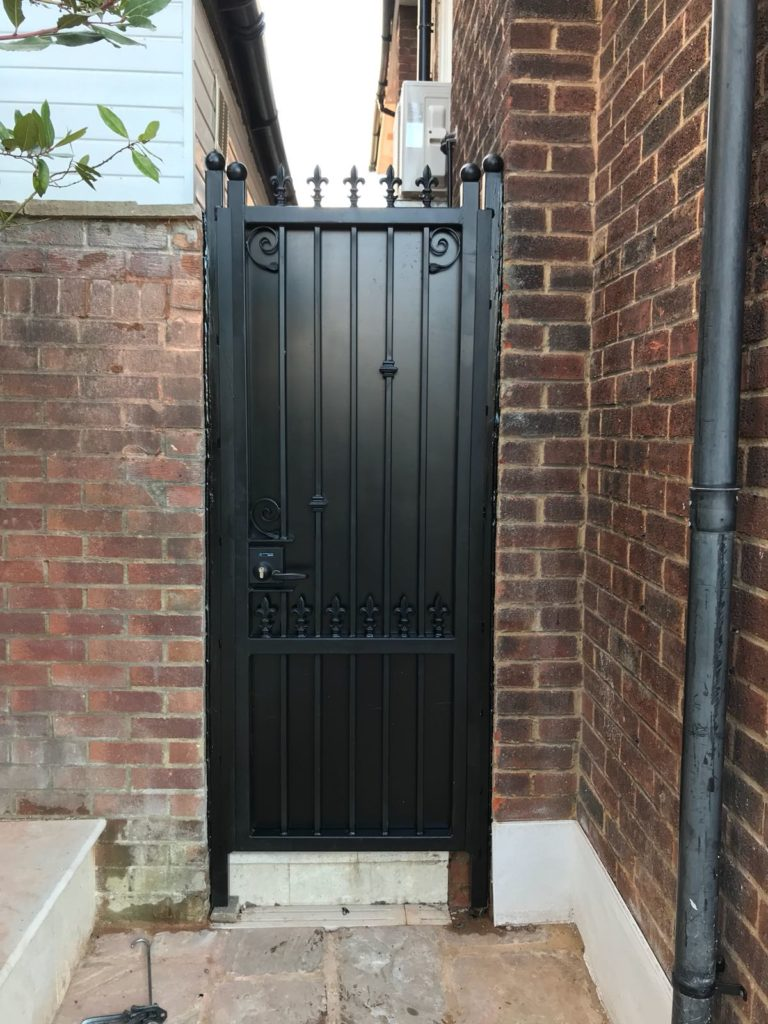 Sheeted metal Gate
