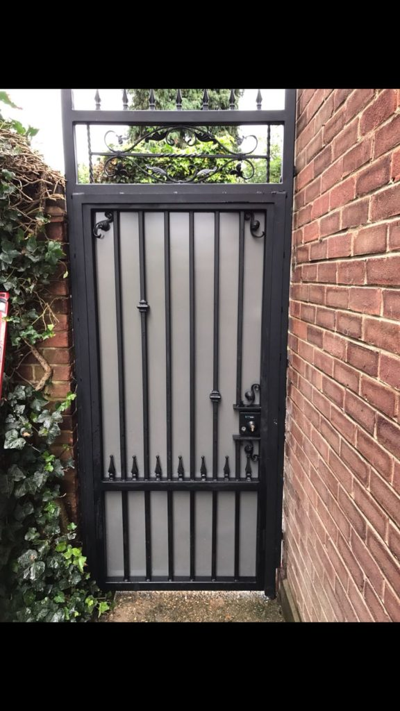 Sheeted side gate
